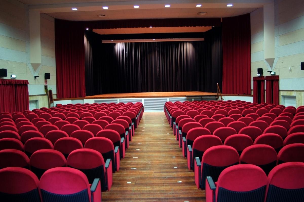 Sala del Teatro di Cicagna
